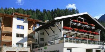 Natur- und Wanderhotel Rainer****