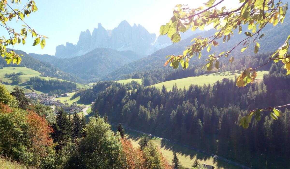 Tra sentieri e sapori: vacanza slow nella Perla Alpina di Funes