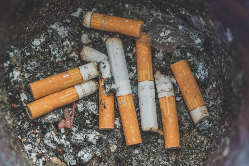 mozziconi di sigarette, problema da risolvere nei grandi eventi