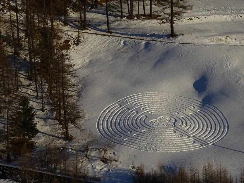 A Chamois un labirinto di neve per gli innamorati