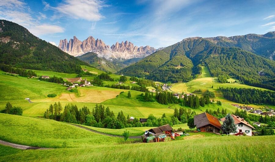 Val di Funes: vivere la natura attraverso gli splendidi masi