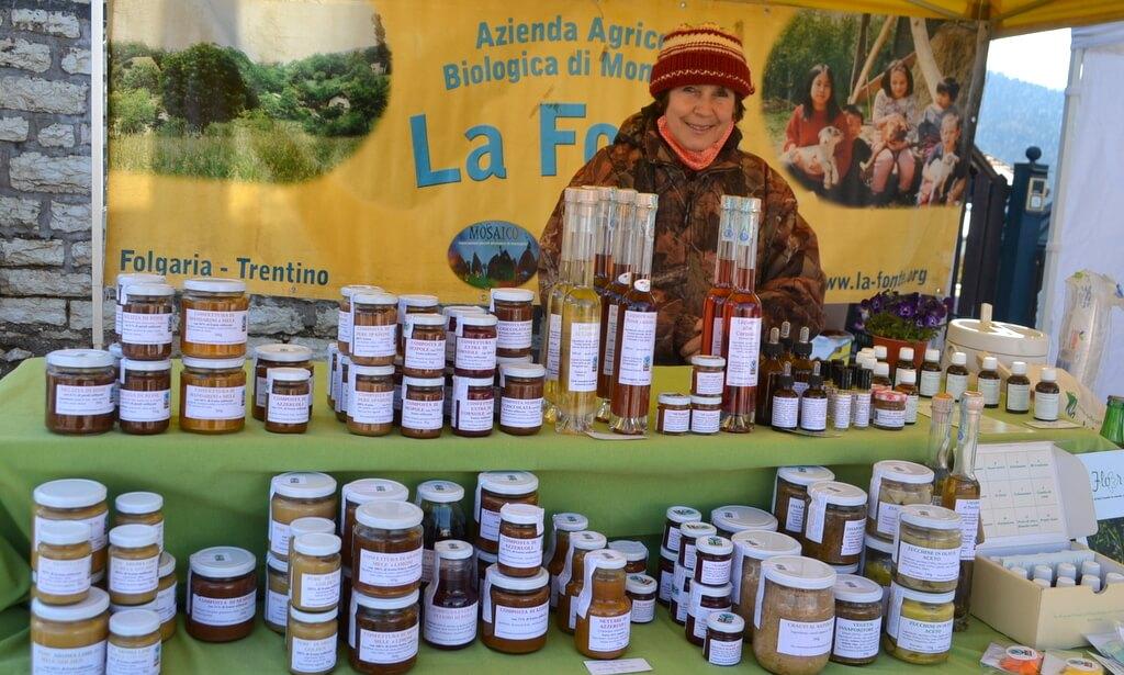 Mercato della Terra Alpe Cimbra donna