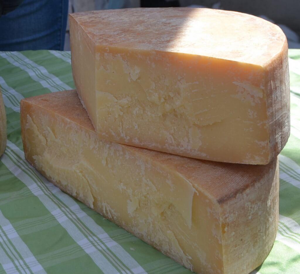 Mercato della Terra Alpe Cimbra formaggio